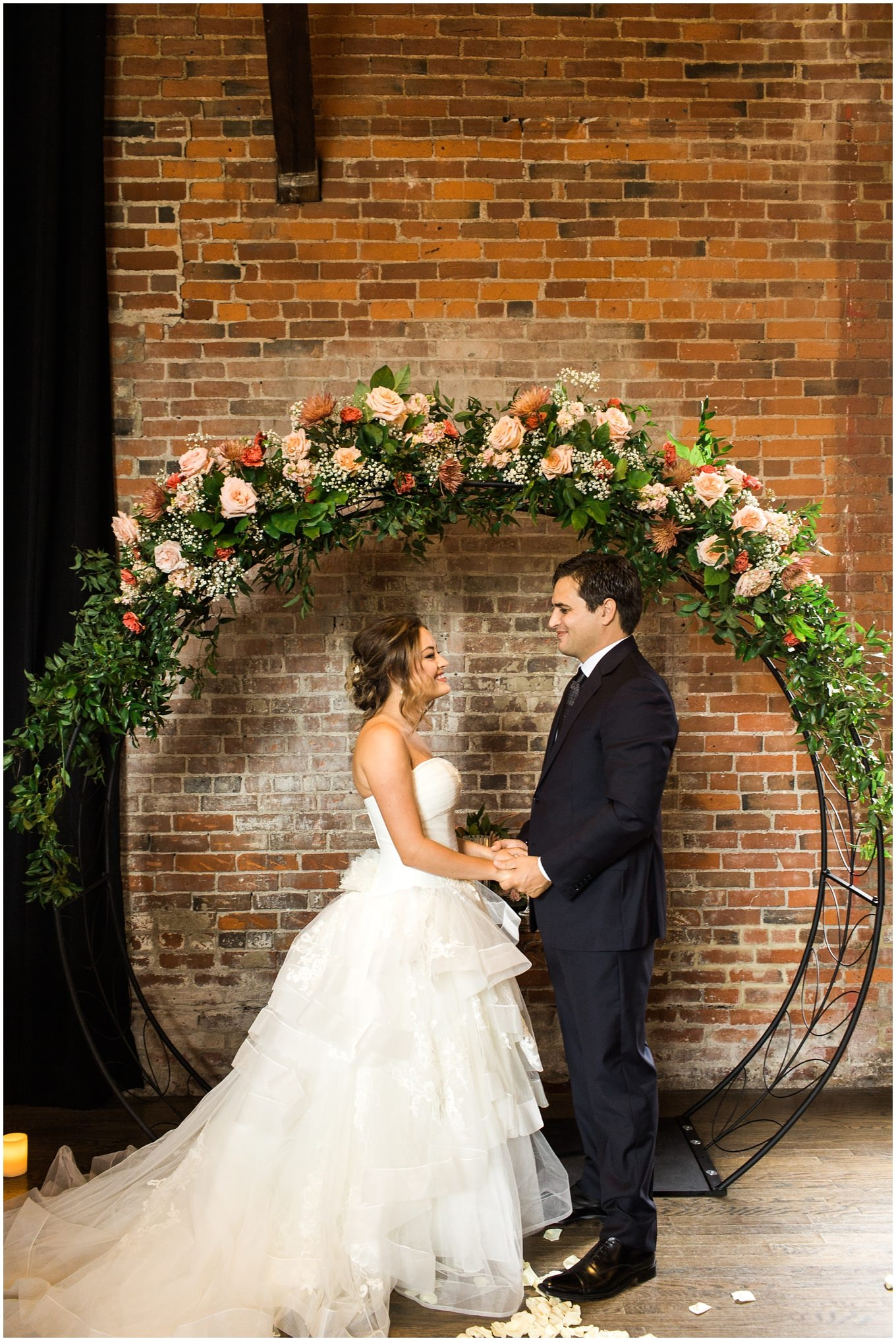 Adam Lowe Photography, The Higline Carhouse, The High Line Car House, Vera Wang, Wedding, Columbus, Ohio, Wedding Photography, Johnny Appleweed, Petals and Leaves floral,